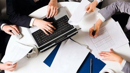 pokazateli-finansovoy-strategii-organizatsiy-sferyi-uslug